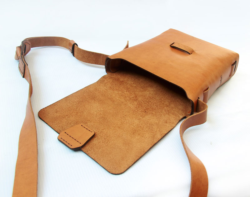 leather man sling bag