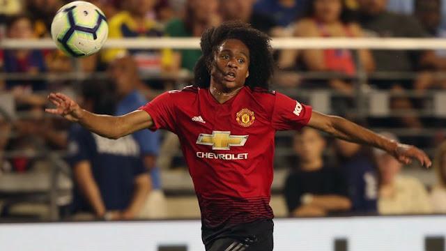 Tóc xù Chong ra mắt ấn tượng, Mourinho nức lời khen