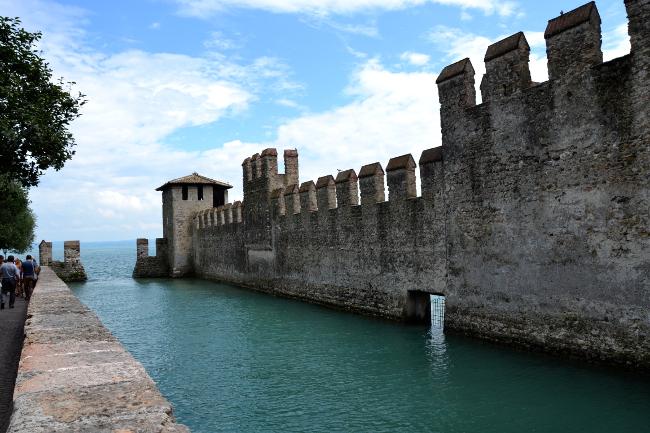 Burg und Gardasee