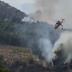 Δερβενοχώρια Βοιωτίας: Κατέπεσε πυροσβεστικό καναντέρ (video)