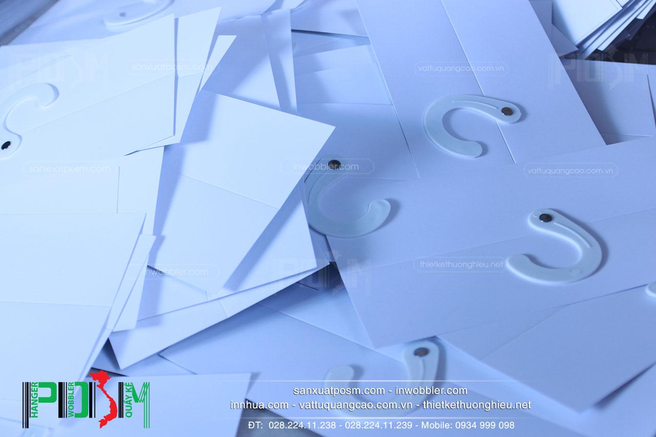 hanger-giấy-móc-vải-trắng