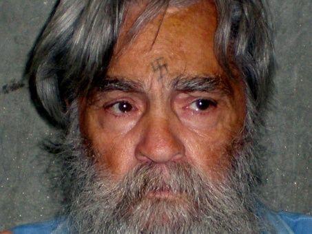 El asesino estadounidense Charles Manson muere a los 83 años