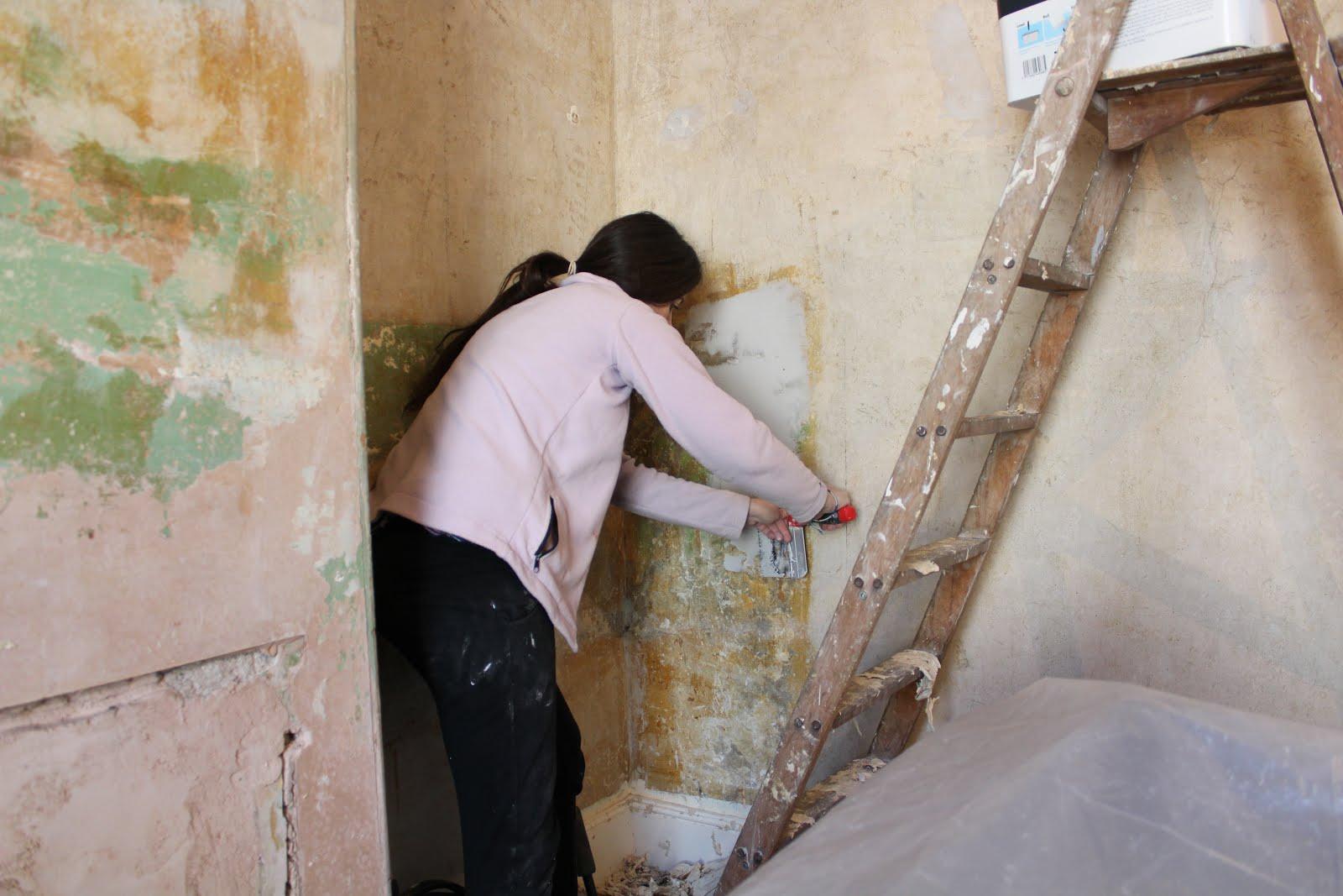 repairing dodgy plaster DIY