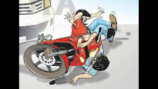 Hendak Putar Balik,  Mobil Ini Ditabrak Sepeda Motor