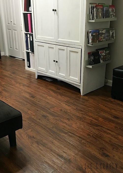 How to achieve wood look flooring with vinyl plank flooring- easy and inexpensive flooring anyone can do