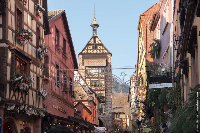 Torre Dodler Riquewihr Alsacia Navidad