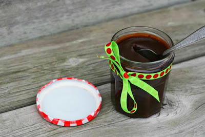 Hot chocolate fudge sauce