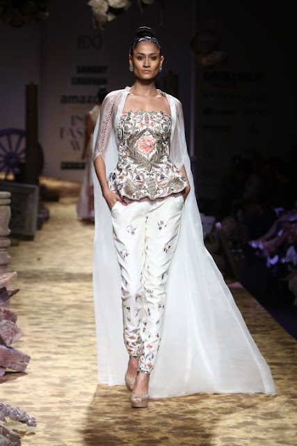 Amazon India Fashion Week SS17-Day 1, Akaarro by Gaurav J Gupta, Anita Dongre Grassroot, Atsu, Bodice, Divyam Mehta, Ikai by Ragini Ahuja, Joy Mitra, Ka.Sa, Promita Banerjee, Payal Pratap, Parma by Pratima Pandey, Pero by Aneeth Arora, The road to Chanderi, thisnthat, beauty , fashion,beauty and fashion,beauty blog, fashion blog , indian beauty blog,indian fashion blog, beauty and fashion blog, indian beauty and fashion blog, indian bloggers, indian beauty bloggers, indian fashion bloggers,indian bloggers online, top 10 indian bloggers, top indian bloggers,top 10 fashion bloggers, indian bloggers on blogspot,home remedies, how to