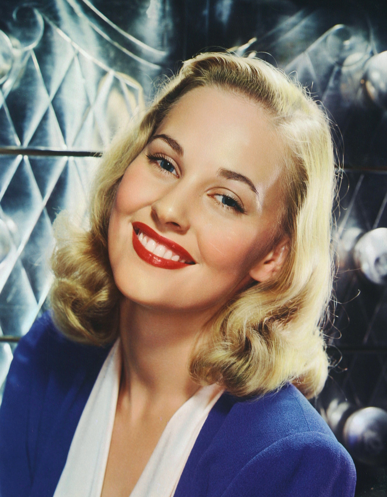 Discussion on this topic: Zoe Rae, lola-albright/