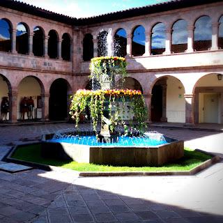 Chafariz no Pátio do Museo de Arte Contemporaneo de Cusco