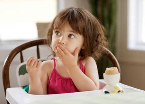 Trẻ nhỏ nên ăn bao nhiêu trứng là đủ