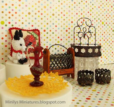 """minilys miniatures""  1:12"