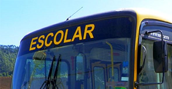 Bandidos assaltam alunos em ônibus escola, na Paraíba