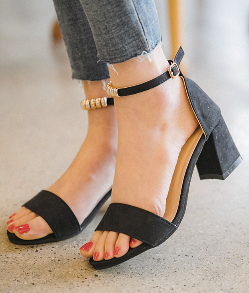 Beaded Ankle Straps Chunky-Heeled Sandals