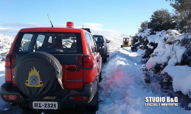 Με επιτυχία ο απεγκλωβισμός από τα χιόνια των δυο κυνηγών στην Αργολίδα