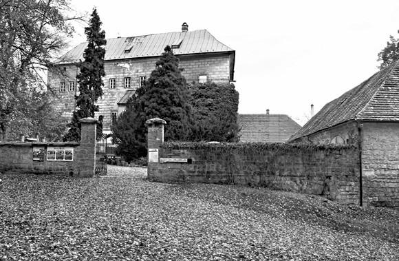 Το στοιχειωμένο κάστρο που χτίστηκε πάνω σε… πύλη της Κολάσεως
