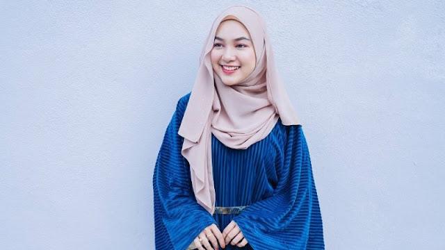 6 Tips Agar Hijab Tidak Cepat Bolong Karena Jarum