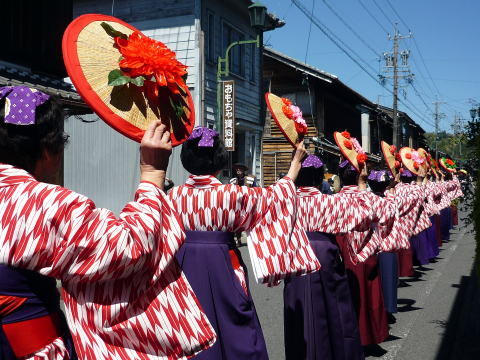 Chotto Onsai Matsuri (street performance) at Taisho Era Village, Ena City, Gifu Pref.