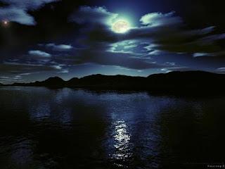 Puisi Senandung Malam Romantis Abis