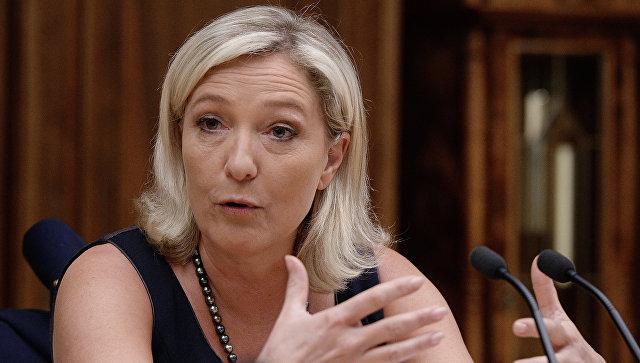 Marin Le Pen pasisakė už Prancūzijos išėjimą iš NATO ir ES