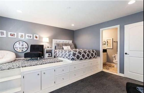Love of Gray and Silver Colors: Stunning Silver and Grey Bedroom Ideas