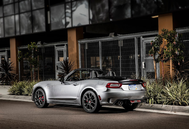 Rear 3/4 view of 2017 Fiat 124 Spider Abarth