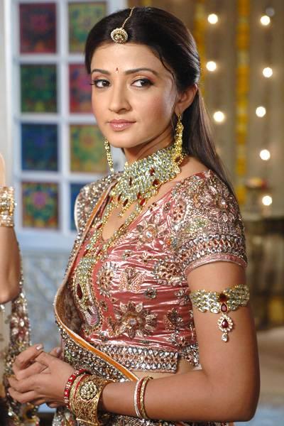 Suhasi Dhami bridal make up and beautiful photos and wallpapers