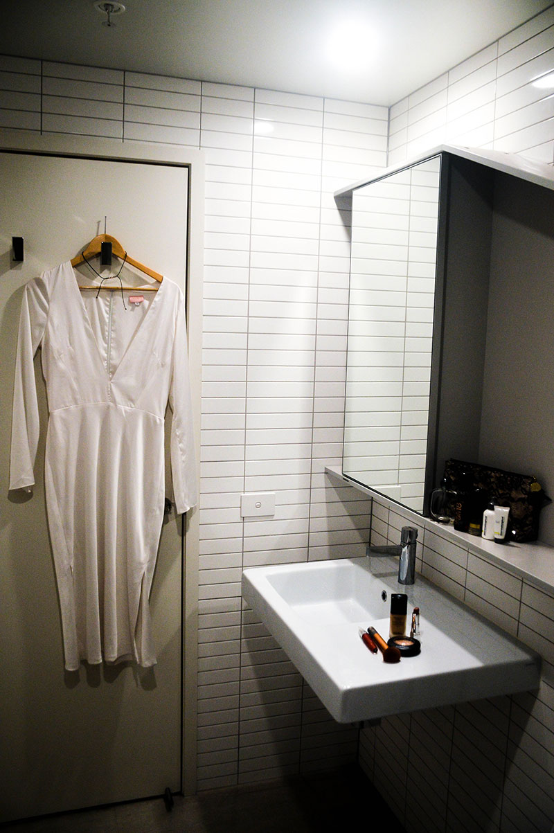 bathroom at platinum apartments melbourne