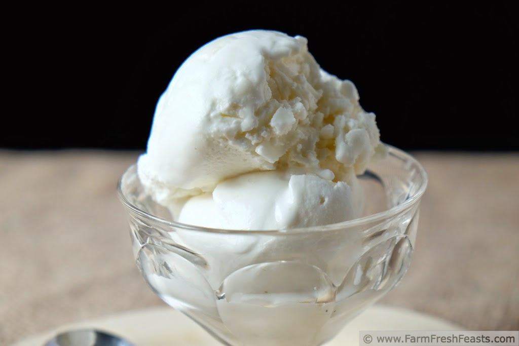 Cinnamon Chunk Ice Cream (#IceCreamWeek) by Farm Fresh Feasts