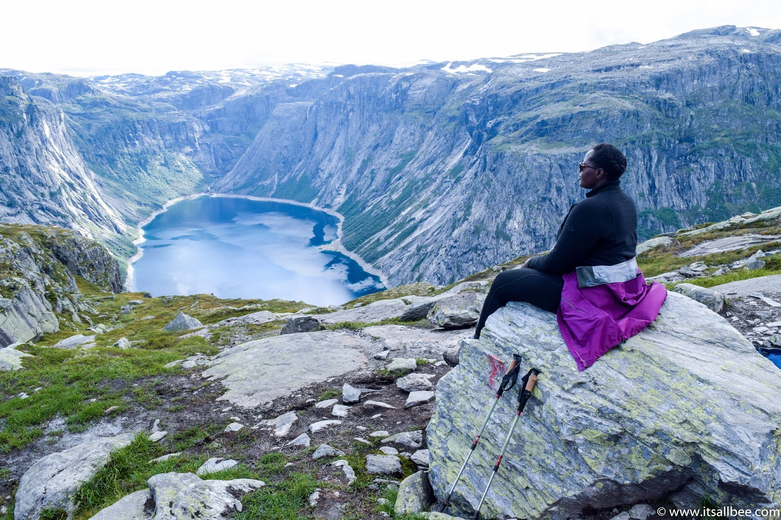 Trolltunga Hike Guide - Your Questions Answered! || trolltunga hike guide, camping trolltunga, trolltunga parking, trolltunga blog post,