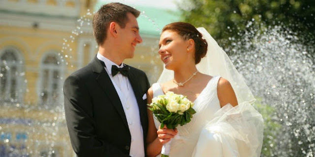 Sejumlah Kelebihan Menjalin Cinta Dengan Pria Yang Lebih Tua