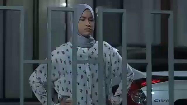 Nisa Ardina dalam episod 1 Mr. Grey