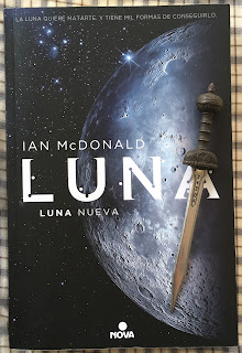 Portada del libro Luna Nueva, de Ian McDonald