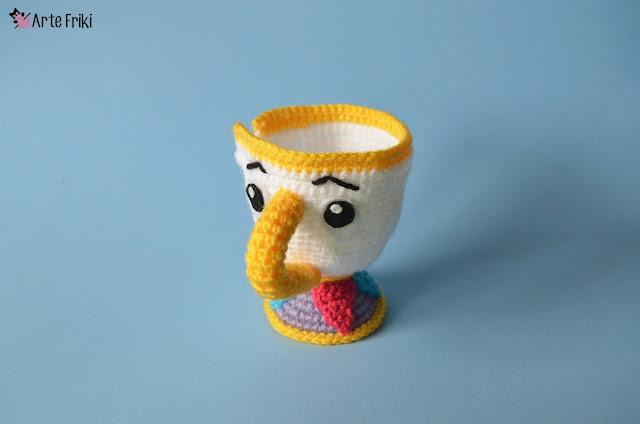 taza chip amigurumi patron gratis taza primark ganchillo la bella y la bestia kawaii crochet doll plushie cute free pattern bella y bestia amigurumi arte friki