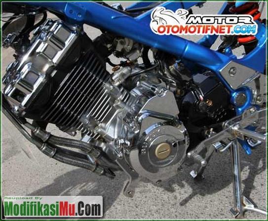 Mesin Di Cat Krom Agar Kinclong - Cara Modifikasi Suzuki Satria F150 Ala Street Racing Velg Jari Jari