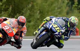 Rossi Ingin Duel Lawan Marquez di Seri Terakhir MotoGP 2016