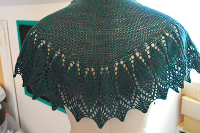 hand knit lace shawlette Indian Feathers