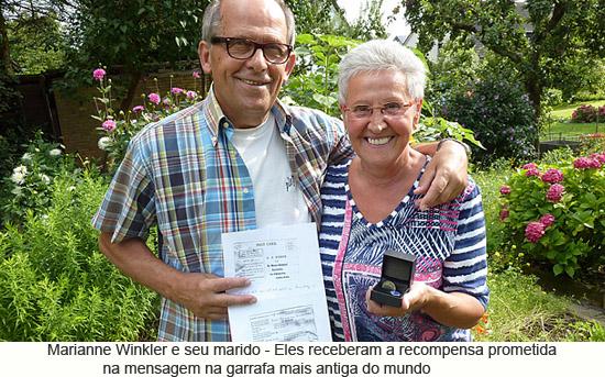 Marianne Winkler e seu marido receberam recompensa por encontrar mensagem na garrafa mais antiga do mundo