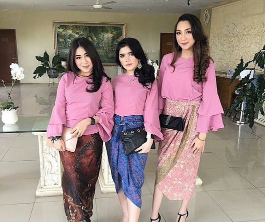 17 Model Kebaya Modern Simple Terbaru Paling Modis