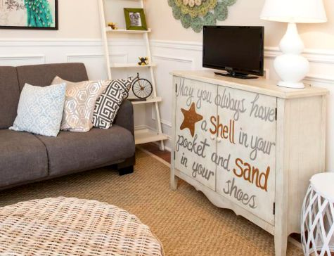 Shell in Pocket Beach Quote Cabinet