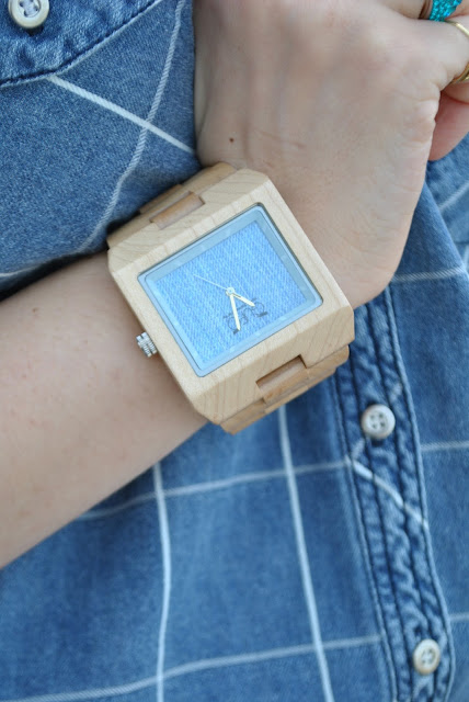 orologio in denim e legno gufo design mariafelicia magno fashion blogger color block by felym fashion blog italiani fashion blogger italiane blogger italiane di moda wooden watch influencer italiane italian influencer