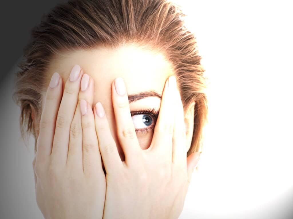 Fotofobia mata sensitif cahaya