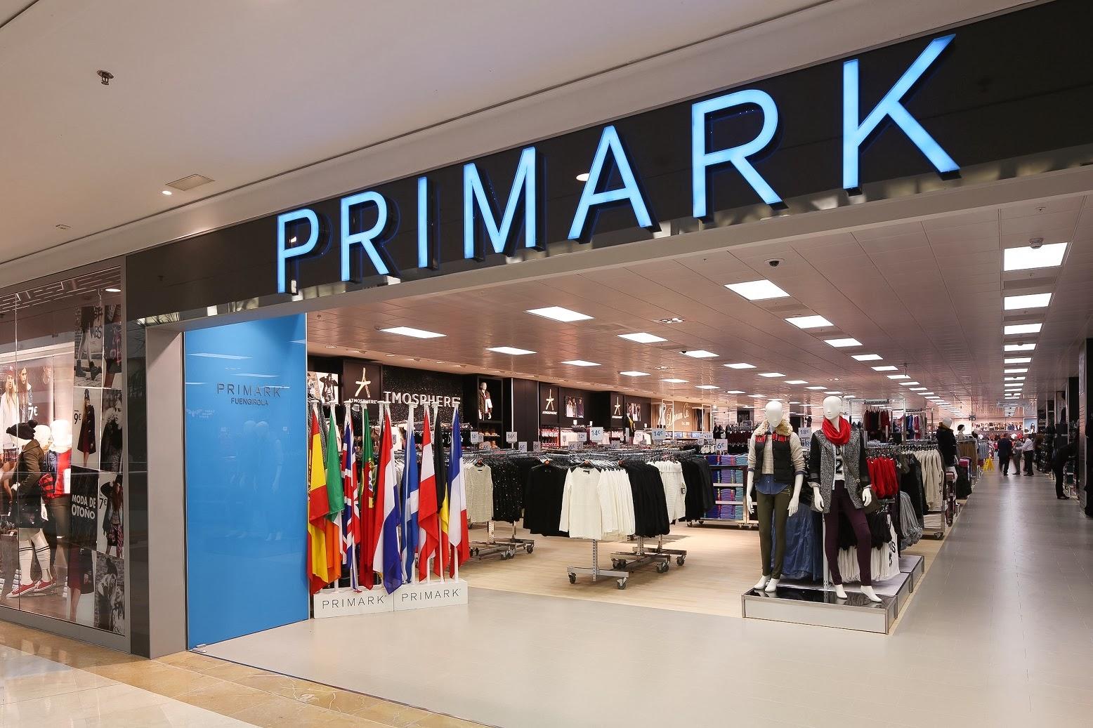 ... más de 3.000 metros cuadrados en los que Primark despliega sus últimas  propuestas en todas sus secciones (moda 65d81e80118a