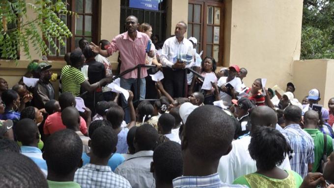 Haitianos regularizados en RD usan papeles para irse a otros países