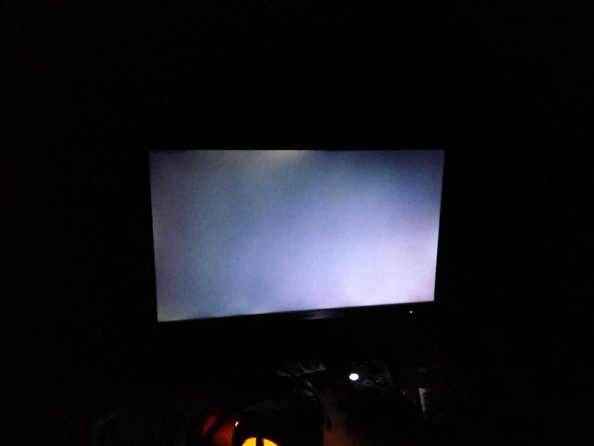 Cách kiểm tra và phát hiện màn hình bị hở sáng hoặc có điểm chết