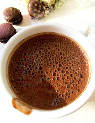 Chocolat Chaud Épicé à l'Ancienne
