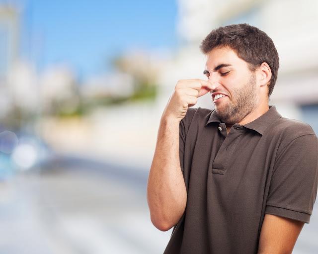Manfaat Mencium Bau Kentut