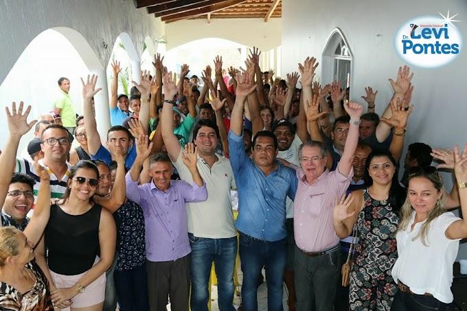 Levi Pontes e deputado federal André Fufuca são apresentados em Santa Quitéria como pré-candidatos a reeleição