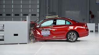 Dua-Mobil-Premium-Asal-Eropa-Pamerkan-Hasil-Uji-Tabrak