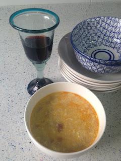Presentación sopa de ajo